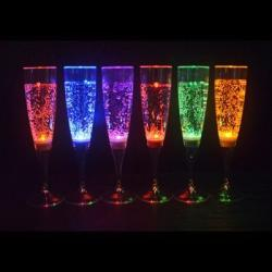led-champagne-glass-01.jpg
