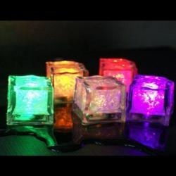 led-ice-cubes-03.jpg