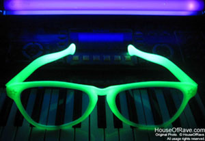 glow-in-dark-sunglasses-big.jpg